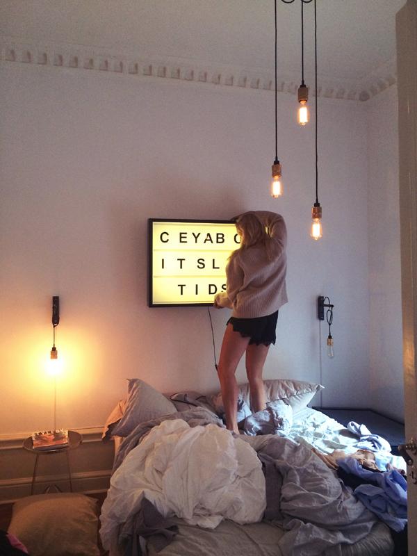 20 Pretty Cinema Light Box For Youthful Girls Home