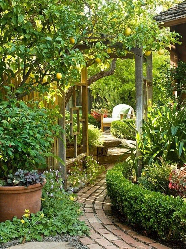 20 Outdoor Reading Nooks With The Secret Garden | HomeMydesign on Backyard Nook Ideas id=15968