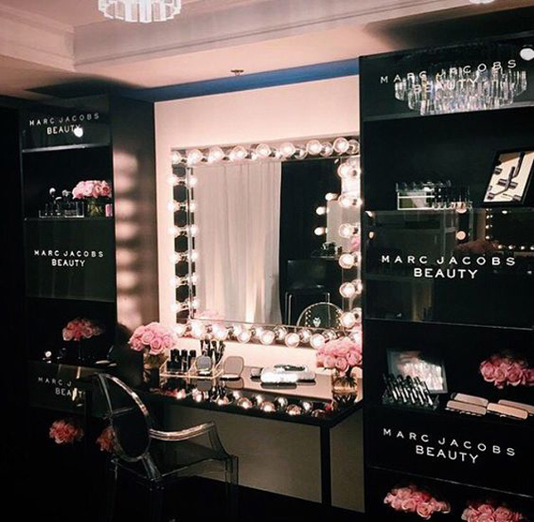 20 Modern DIY Makeup Organizers With Romantic Feel ... on Make Up Room Ideas  id=95693
