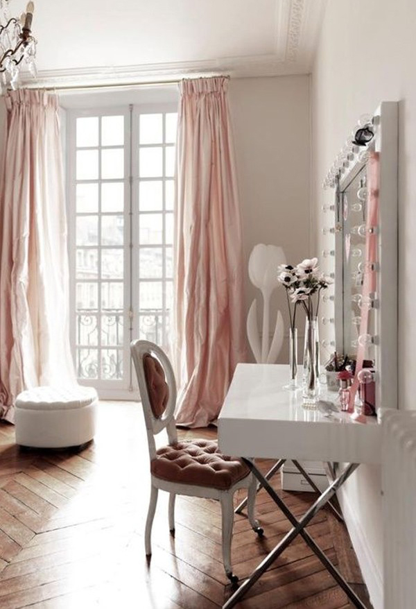 20 Modern DIY Makeup Organizers With Romantic Feel ... on Makeup Room Ideas  id=36799