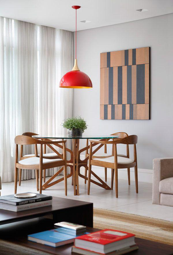 Decorating a small home might seem like a bit of a challenge at first. minimalist-wood-round-dining-table-ideas   HomeMydesign