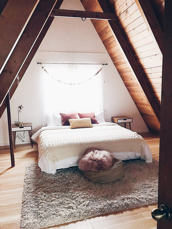 King Bedroom In Triangle Loft