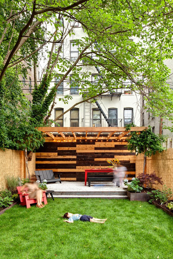 20 Small And Gorgeous Backyard Ideas In The City ... on Mansion Backyard Ideas id=67675