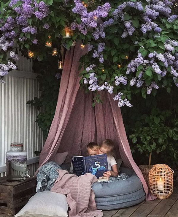 20 Most Comfortable Reading Nooks For Outdoors | HomeMydesign on Backyard Nook Ideas id=72087