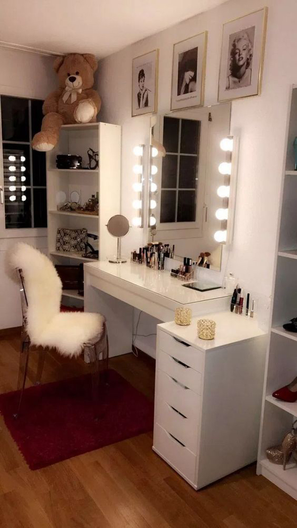 40 Feminine Makeup Room Ideas That Women Must Have ... on Makeup Room Ideas  id=72048