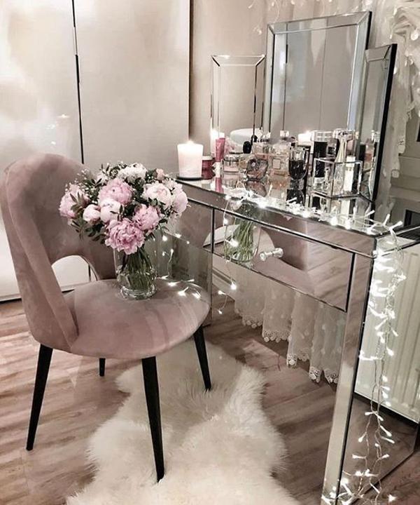 40 Feminine Makeup Room Ideas That Women Must Have ... on Makeup Room Ideas  id=80532
