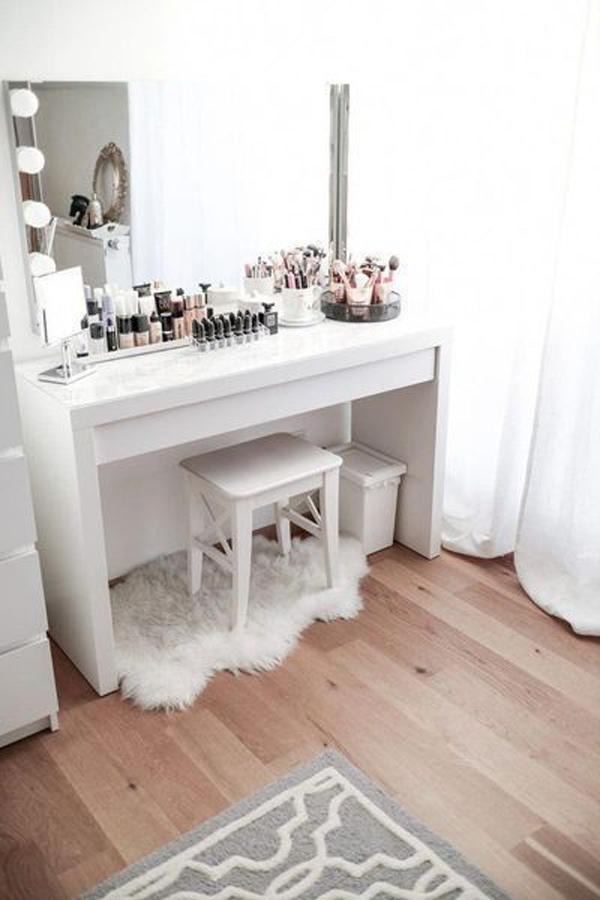 40 Feminine Makeup Room Ideas That Women Must Have ... on Makeup Room Ideas  id=59808