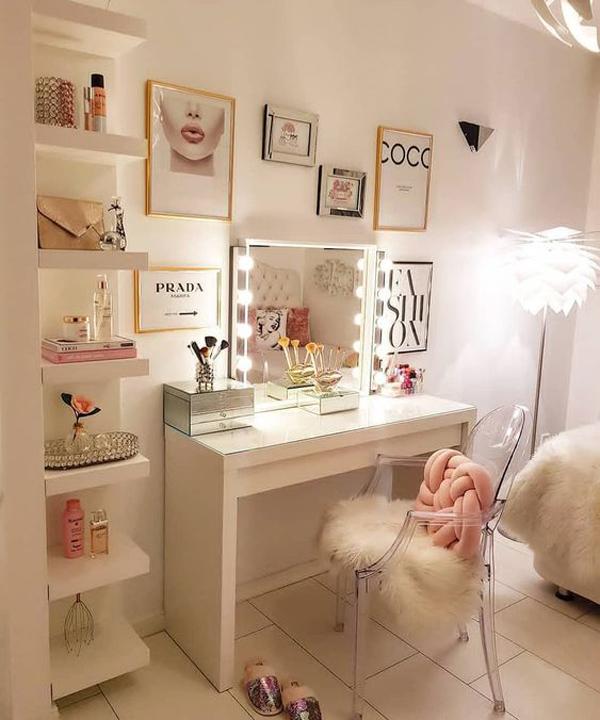 40 Feminine Makeup Room Ideas That Women Must Have ... on Makeup Room Ideas  id=67688