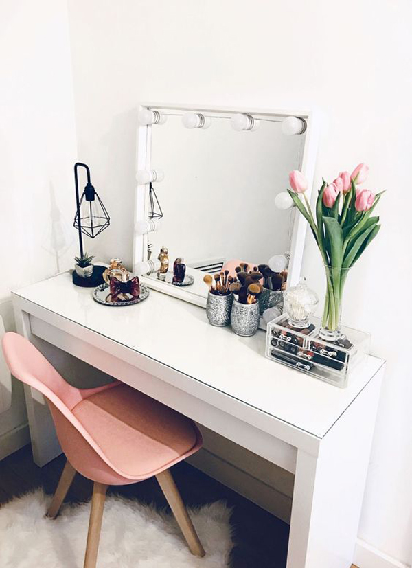 40 Feminine Makeup Room Ideas That Women Must Have ... on Makeup Room Ideas  id=40049
