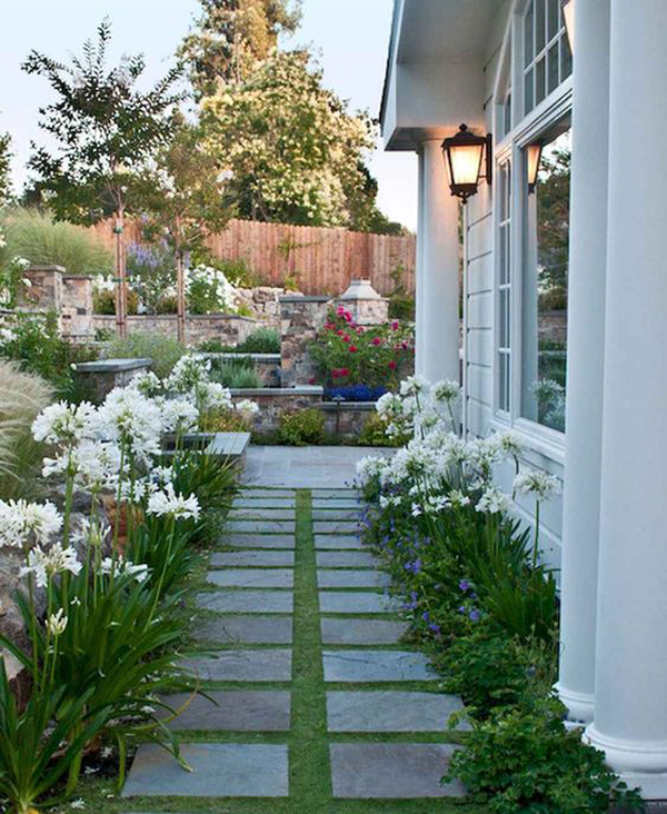 35 Exciting Side House Garden Ideas With Walkway ... on Side Yard Walkway Ideas id=60535
