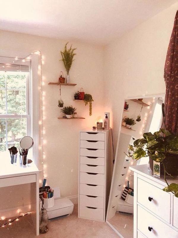 40 Feminine Makeup Room Ideas That Women Must Have ... on Make Up Room  id=93942