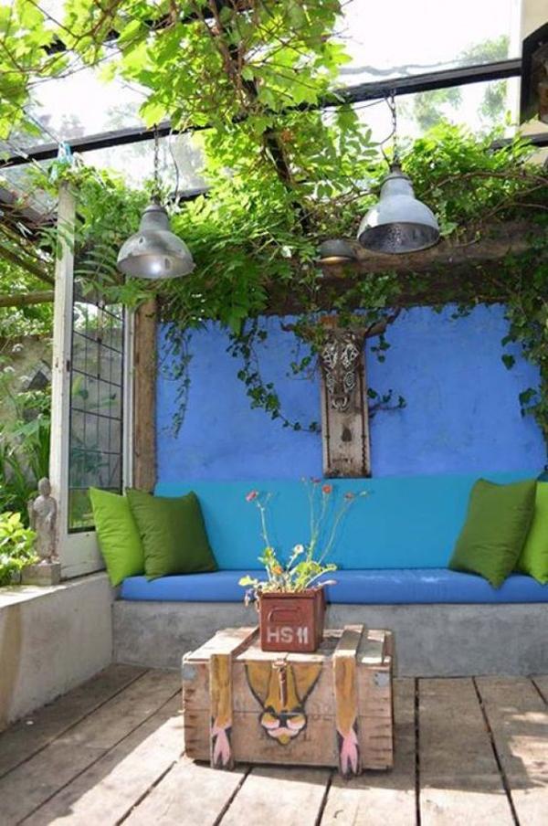 cozy-bold-outdoor-lounge-area-ideas - HomeMydesign on Backyard Lounge Area Ideas id=16948