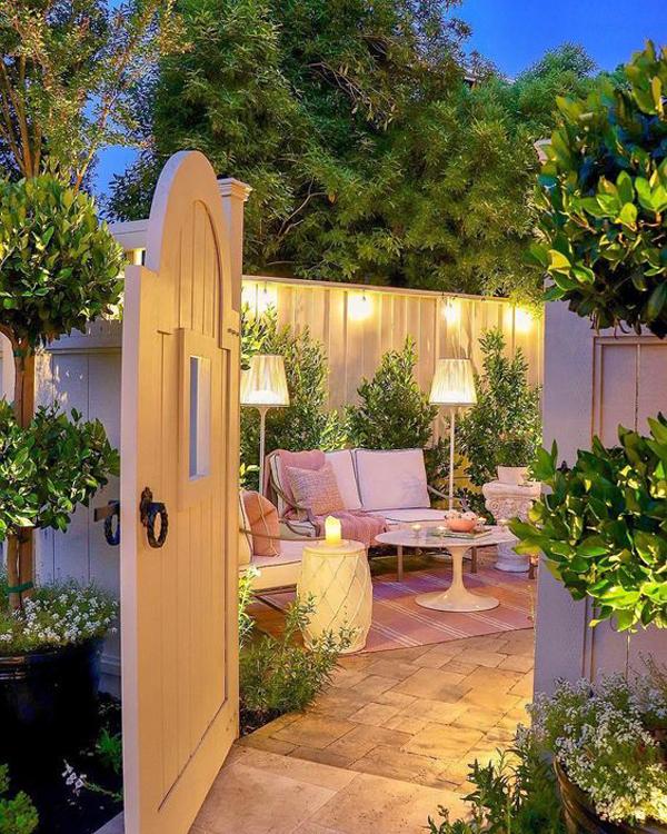 pretty-backyard-reading-nook-ideas - HomeMydesign on Backyard Nook Ideas id=13517
