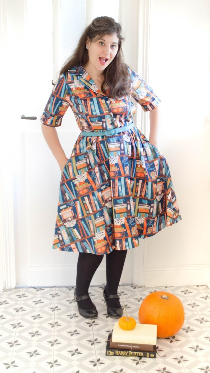 robe-swing-harry-potter-magic-book-print-lindy-bop-shirt-dress-pockets
