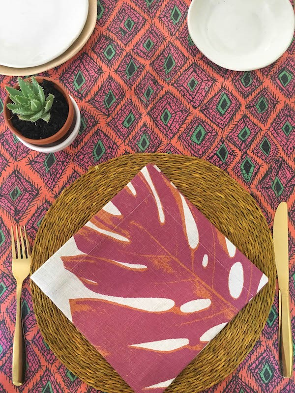 table + cloth table trends