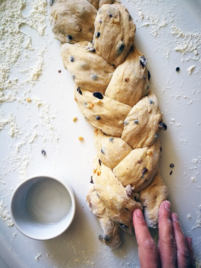 braided Easter loaf