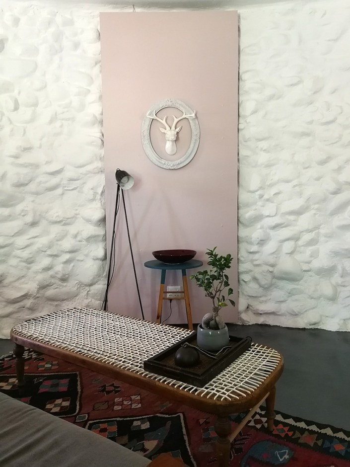 home-makeover-pink-screen