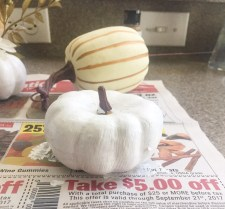 How to Chalk Paint Pumpkins
