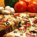 ピザを食べすぎると骨粗しょう症に?