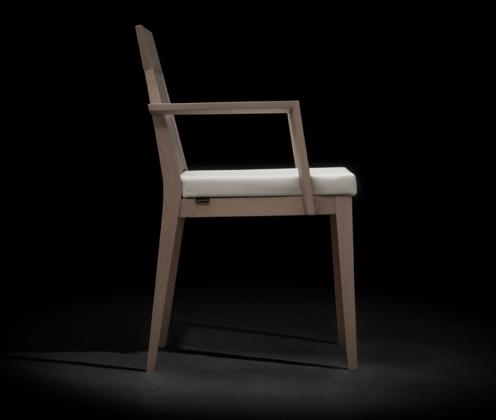 Dom 110N chair