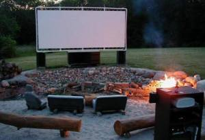 DIY - Outdoor move theatre with repurposed materials.