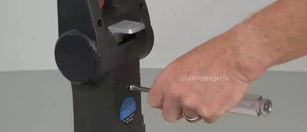 hoover-windtunnel-disassembly-handle