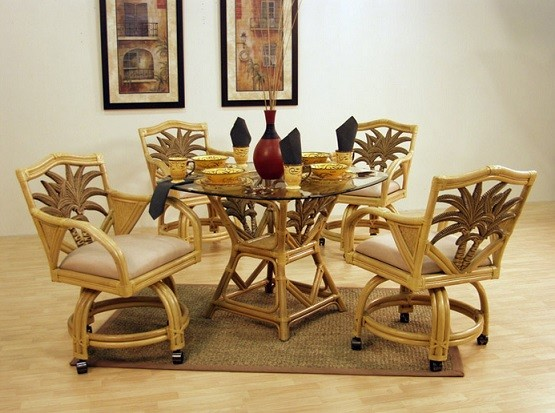 4 Rattan Dining Room Chairs With Casters And Glass Table