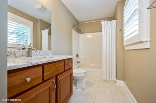 12_322NRiverRd_8_Bathroom_LowRes