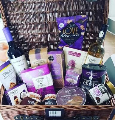Women's Christmas gift guide - Christmas Hamper - gift ideas for mum