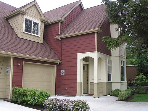 Choose Carefully Exterior Paint Colors - HomesFeed on Choosing Garage Door Paint Colors  id=90688