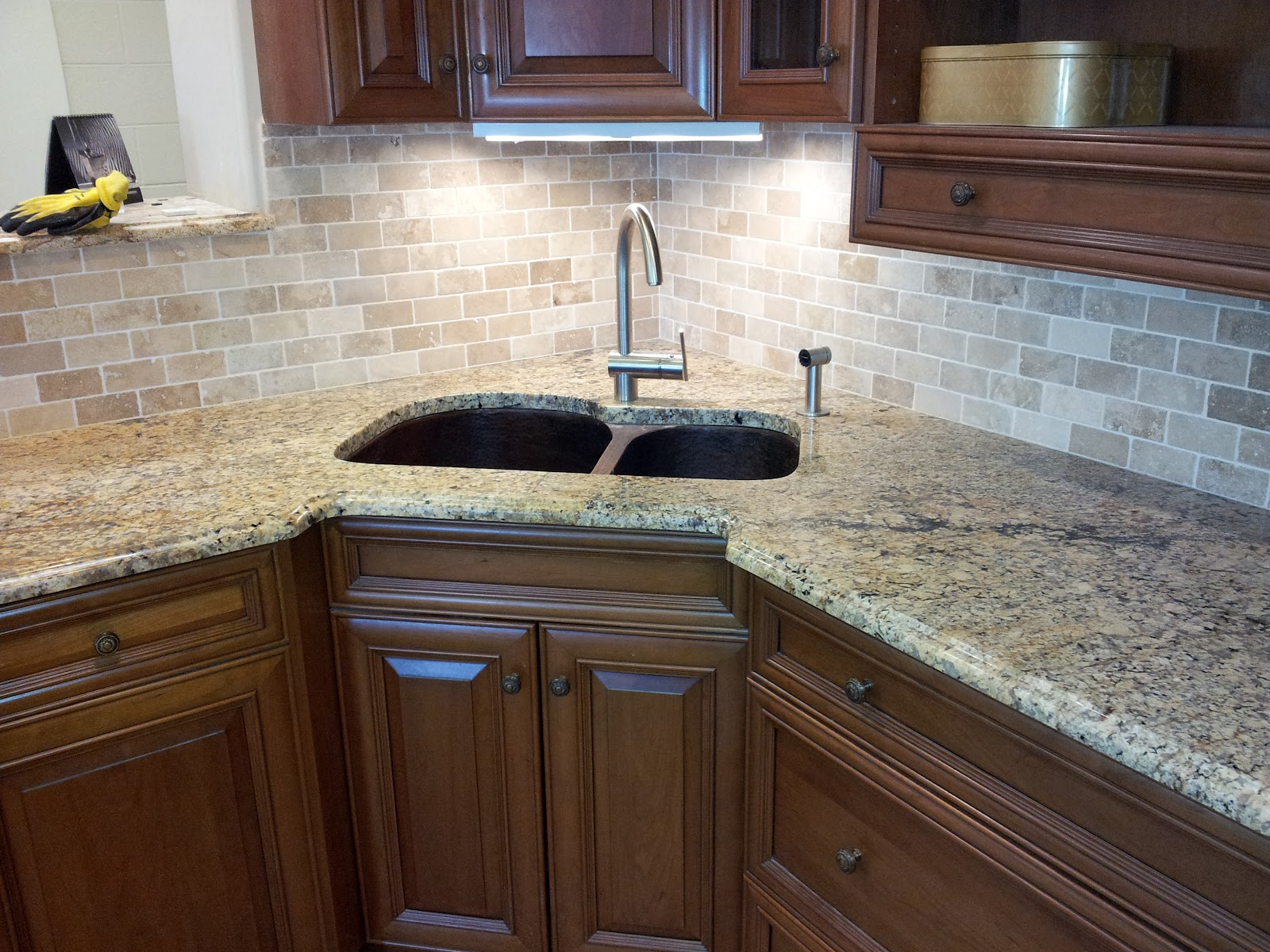 Groutless Backsplash, How to Minimize The Grouts? - HomesFeed on Best Backsplash For Granite Countertops  id=94488