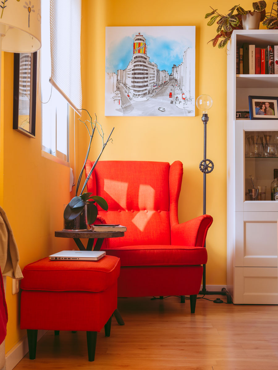 Small Reading Chair For Tiny Private Houses Small Spaces