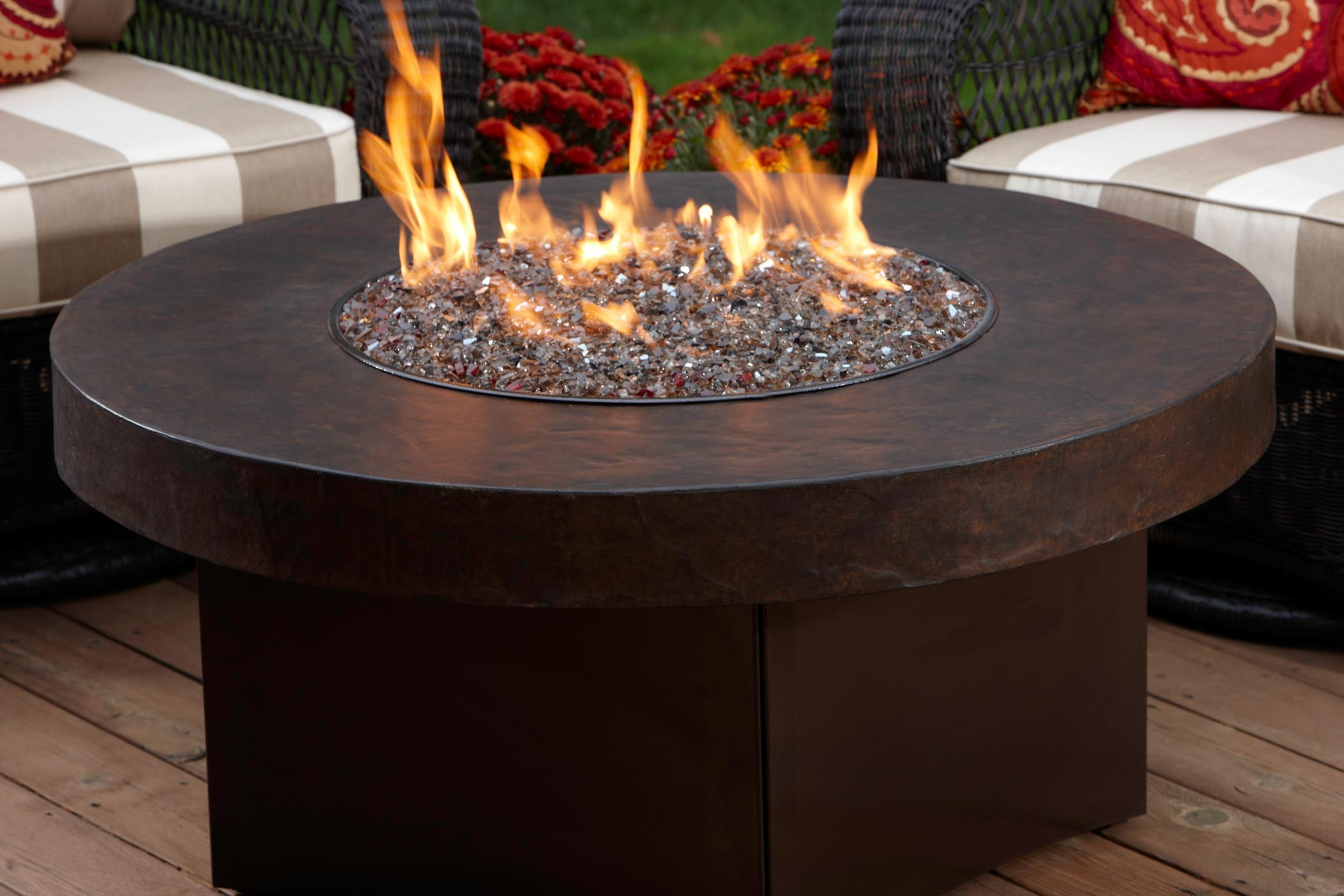 Fire Table Kit Ideas for Outdoor Patio   HomesFeed on Outdoor Gas Fireplace For Deck id=14217