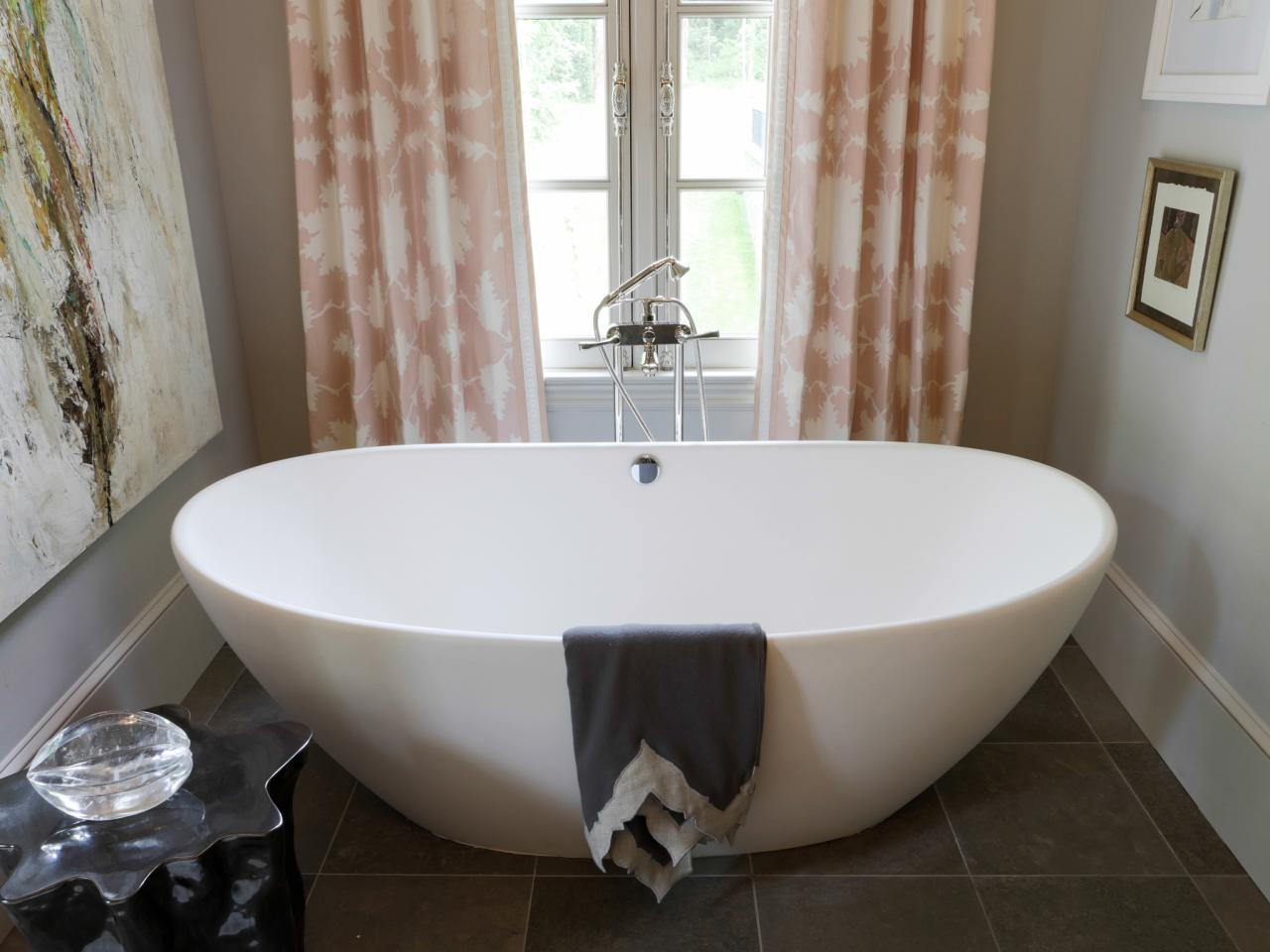 Japanese Style Soaking Tub Give Asian Accent To Your