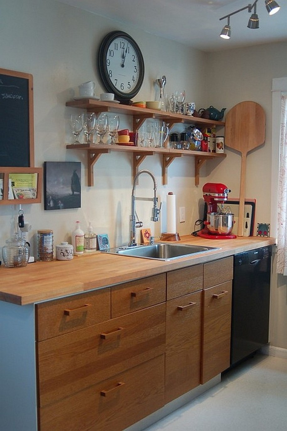 Creative Kitchen Counter-top Design Disguises Low Cost ... on Kitchen Counter Decor Modern  id=48521