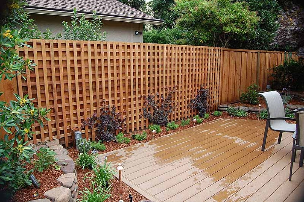 Lattice Fence Design Completes a Perfect Garden Decoration ... on Backyard Wooden Fence Decorating Ideas id=40837