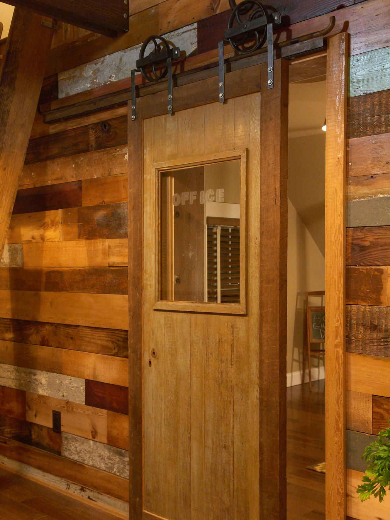 how to make a barn door to bring countryside nuance inside on Brown Barn Door id=64732