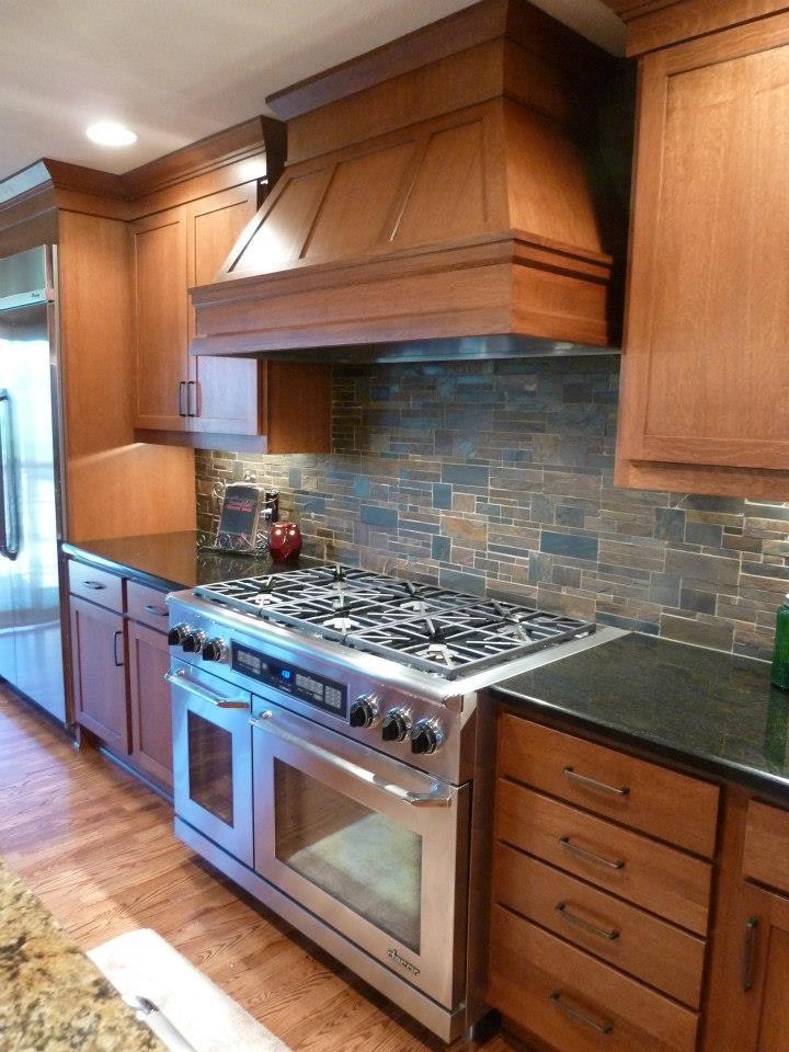 Country Kitchen Backsplash Ideas - HomesFeed on Backsplash Ideas For Dark Cabinets  id=42187