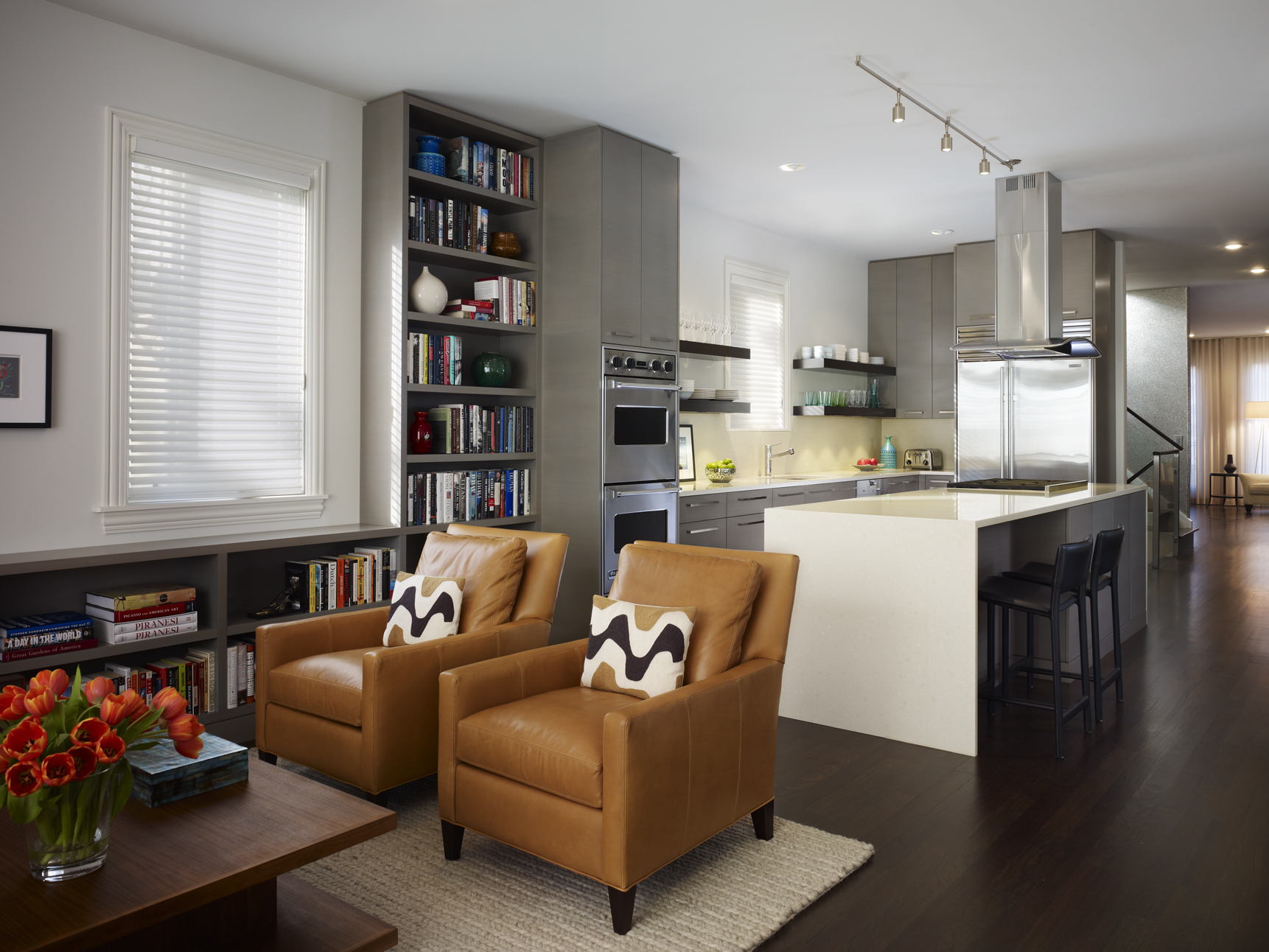 Create the perfect living room for your home by optimizing the color, lighting, furniture placement, accessories, and more. Kitchen Living Room Combo Ideas - HomesFeed