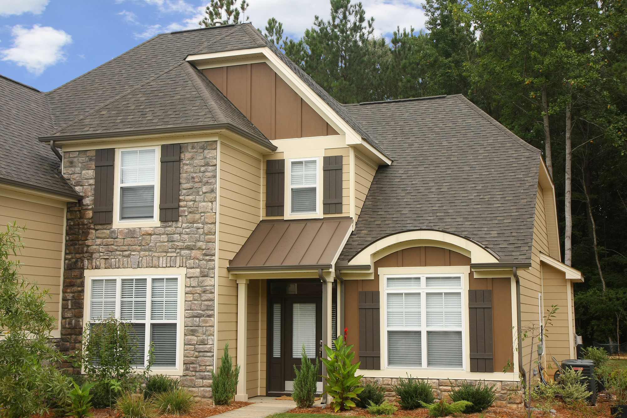 Most Popular Types of Siding for Homes - HomesFeed on Modern House Siding  id=11649