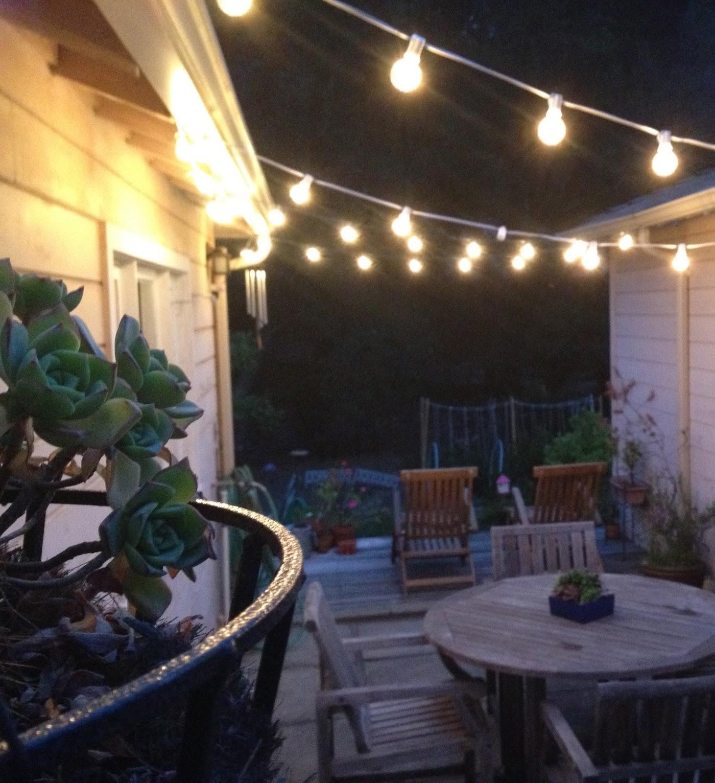 The Best Exterior String Lights Ideas - HomesFeed on Backyard String Light Designs id=15009