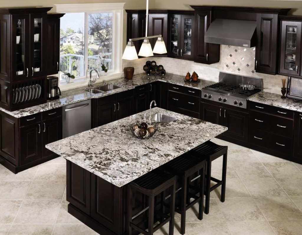 Gorgeous Inspiring Images of Granite Countertops - HomesFeed on Dark Granite Countertops With Dark Cabinets  id=74803