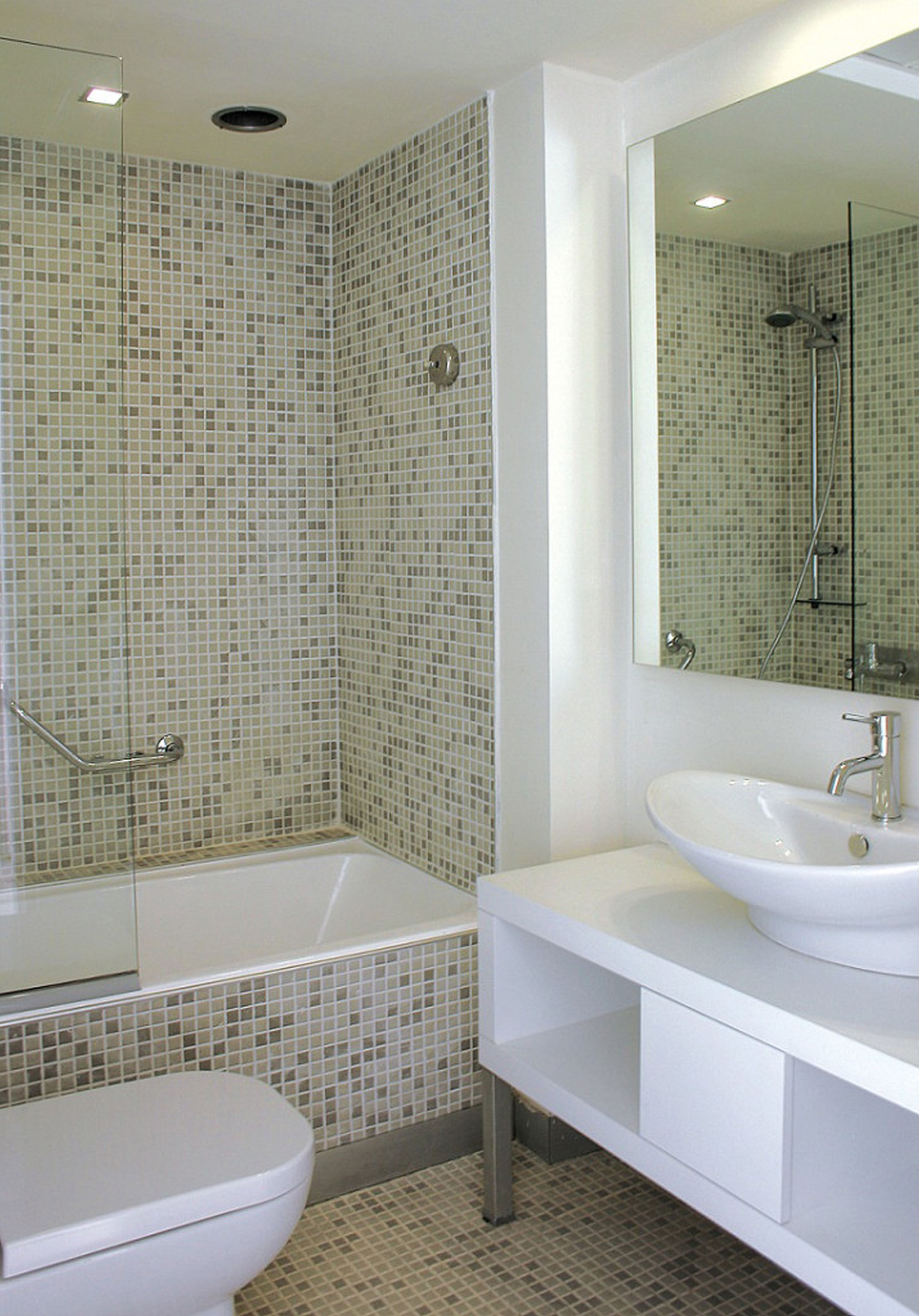Small Bathroom Space Ideas - HomesFeed on Small Space Small Bathroom Ideas  id=77543