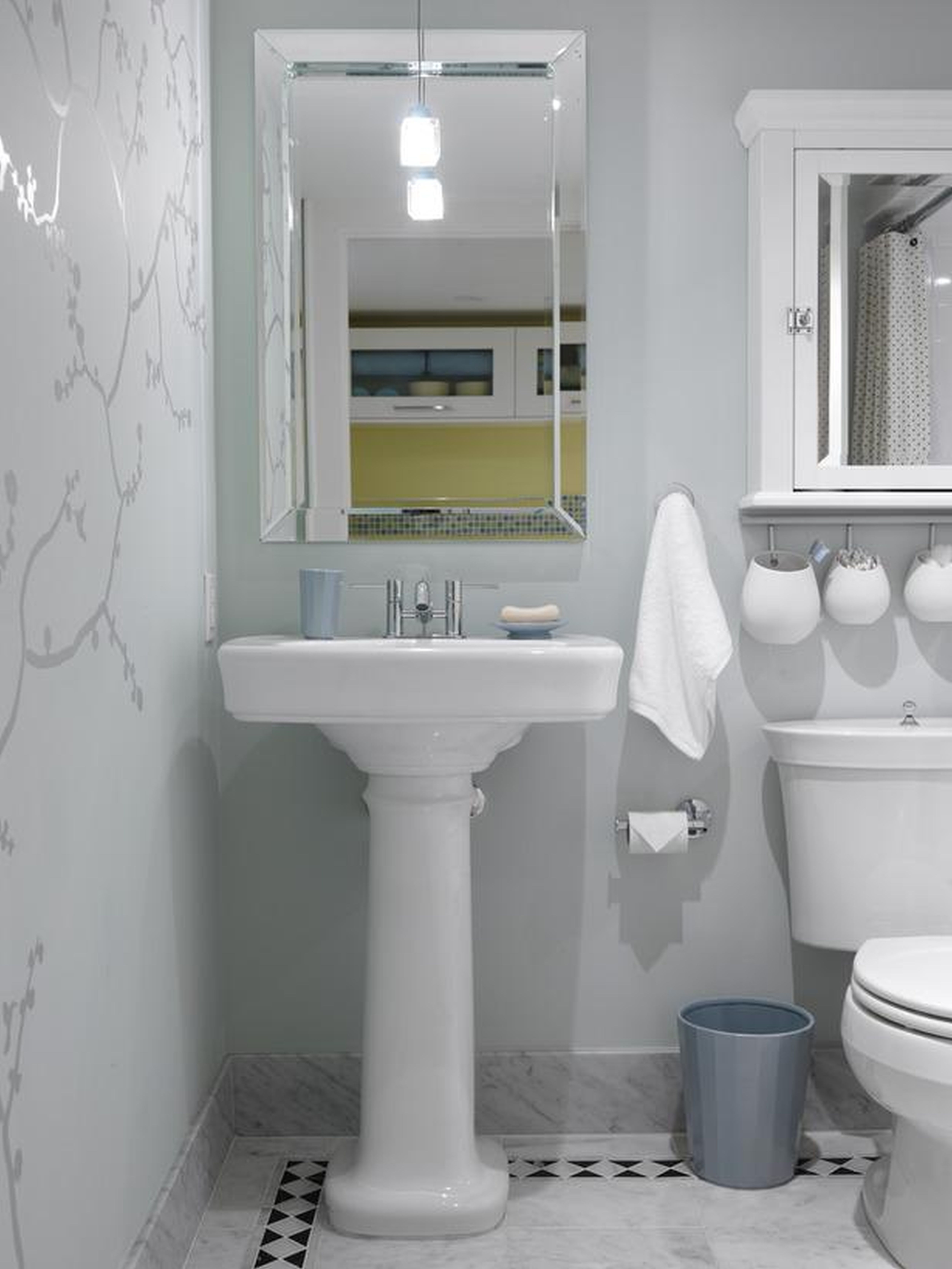 Small Bathroom Space Ideas - HomesFeed on Small Space Small Bathroom Ideas  id=83250