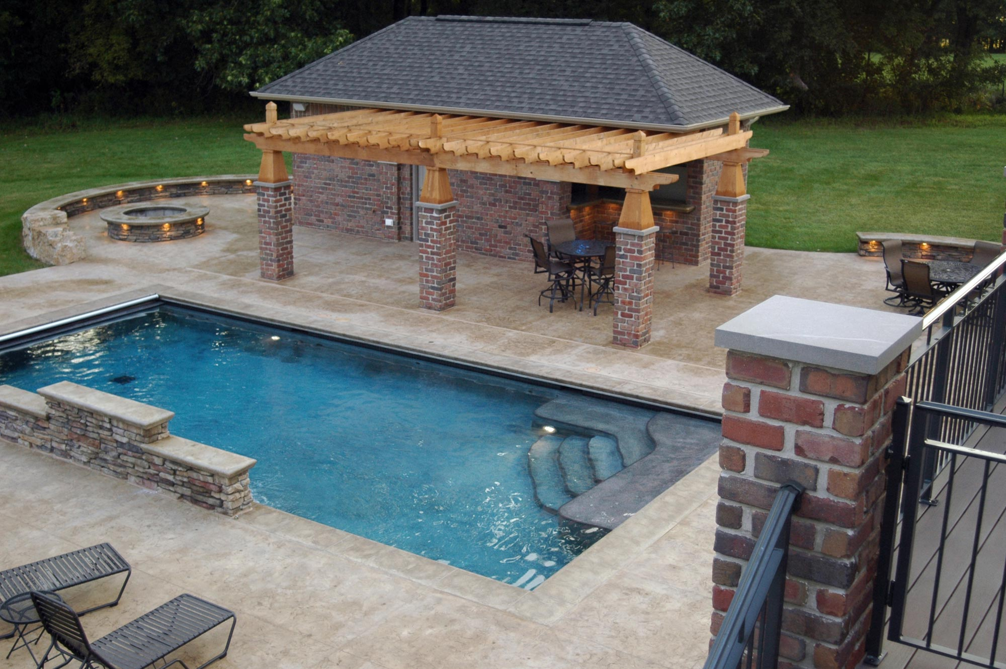 Rectangular Pool Designs - HomesFeed on Rectangular Backyard Design id=53983