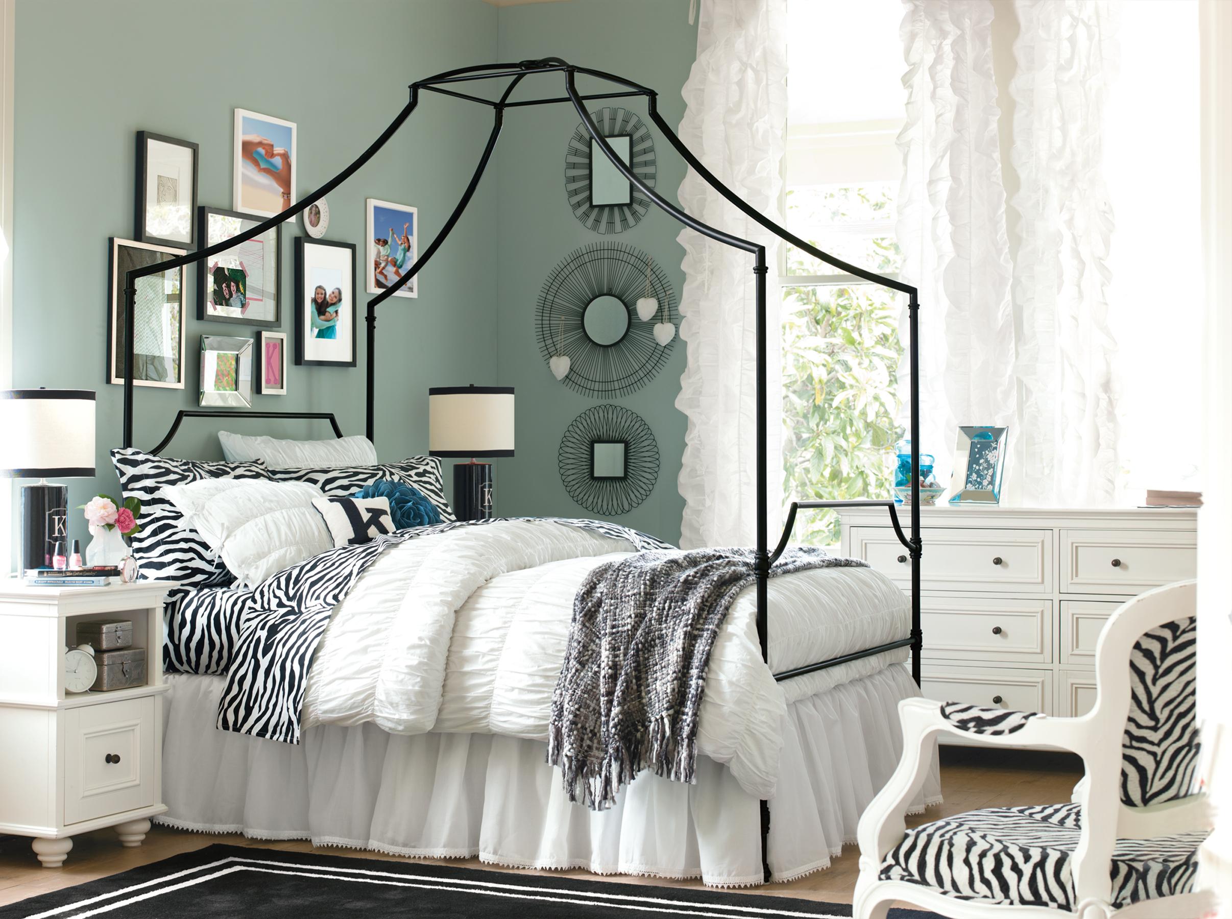 Pottery Barn Bedding - Teen Style - HomesFeed on Beautiful Teenage Bedrooms  id=69440