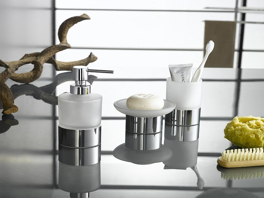 Bathroom Sets And Accessories