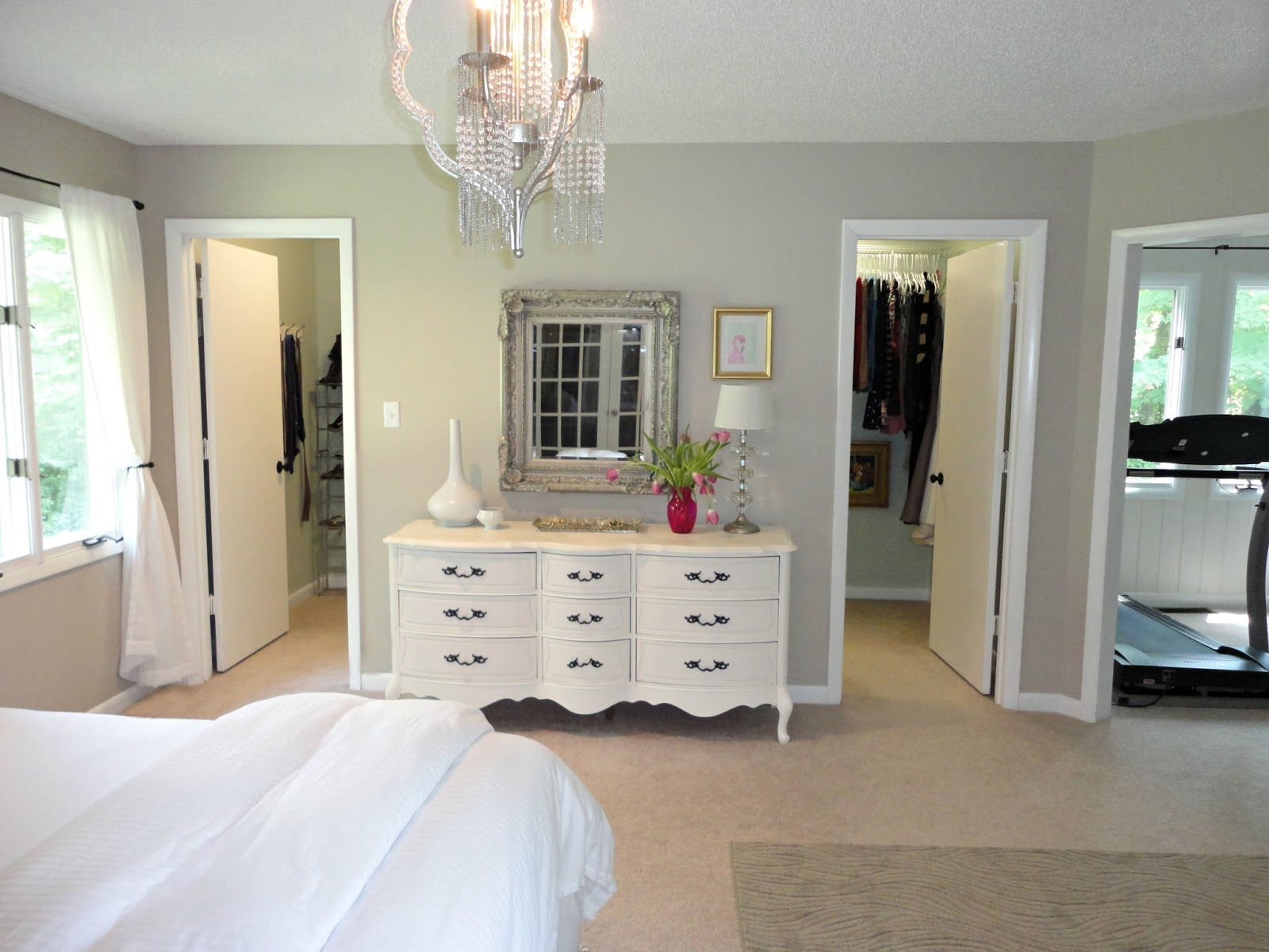 The Best Way of Decorating Master Bedroom with Walk in ... on Best Master Room Design  id=39691