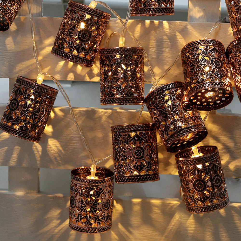 Vintage Outdoor String Lights Ideas - HomesFeed on Backyard String Light Designs id=67696