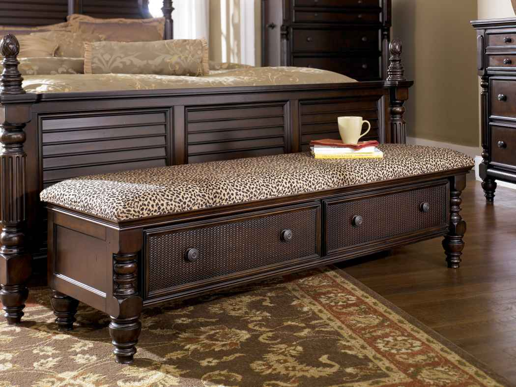 perfect end of bed storage bench | homesfeed